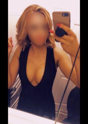 Lottie - escort girl